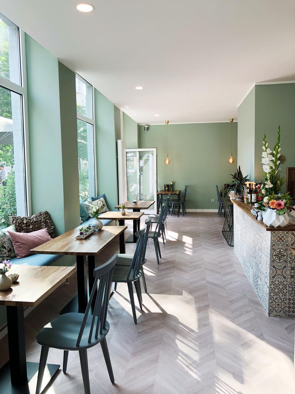 ber uns corner hannover fr hst ck kaffee und kuchen mit viel liebe. Black Bedroom Furniture Sets. Home Design Ideas